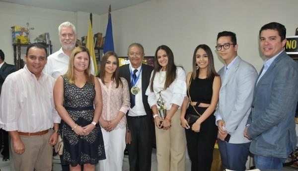Luis Edgardo Vallejo y su familia, viajaron desde la capital de la república para recibir el importante reconocimiento