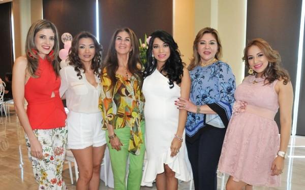 Mónica Araujo, Marna Schnidt, Carmen Chahín, Sarahy Sánchez, Ruth Rápalo y Lorna Knuth