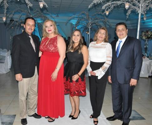 Manuel Pineda, Kenia Pineda, Jessy Aguilar, Jessy Espinal y Jorge Aguilar