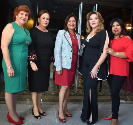 Mery de Bendeck, Rosario Núñez, Vilma Karow, Ruth Rápalo y Sheila García