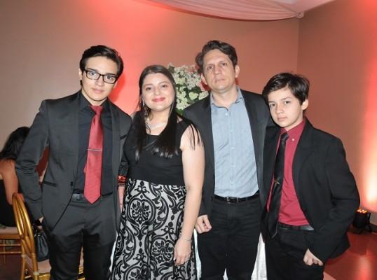 Omar Enamorado Jr, Carolina de Enamorado, Omar Enamorado y Abraham Enamorado