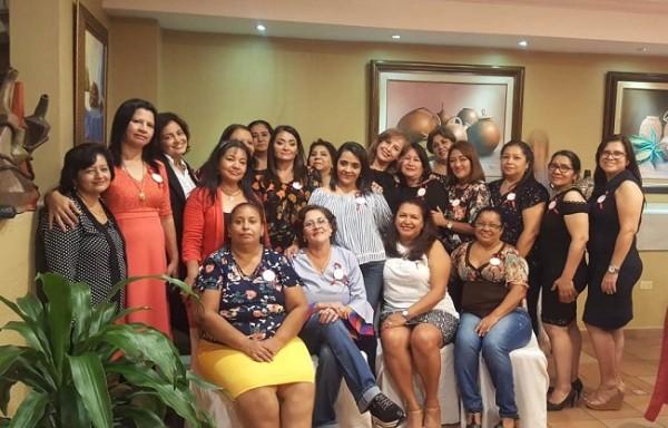 Las amigas y ex compañeras de la clase 85 del Instituto Acasula Carmen Castro se reunieron en una tarde verdaderamente inolvidable.