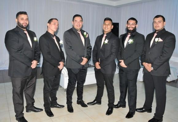 Los caballeros del cortejo de bodas: René Zelaya, Héctor Tercero, Branly Venegas, Ramón Mejía, David Acosta y Christian Cárcamo