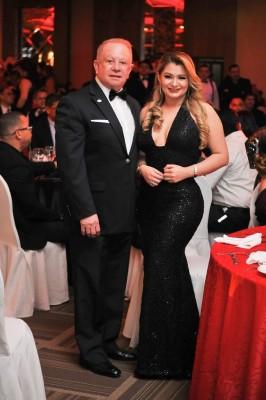 Roger Valladares y Emma Mejía