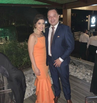Stephanie y Arturo en la boda Rodríguez-Gabrie