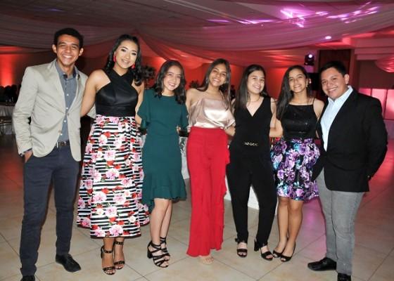 Tonny Escobar, Katia Rivera, Tiara Hernández, Brenda Pineda, Lourdes Castellón, Natalia Suazo y Pablo Cruz