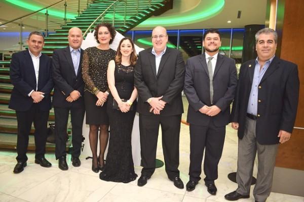 Tony Villar, Angela Becker, German López, Estefany Cruz, Manuel Gordo, Fernando Rodríguez y Luis Ferraté.