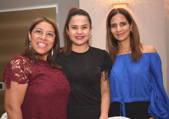 Trinidad de Li, Anny Andino y Rossana Ramos