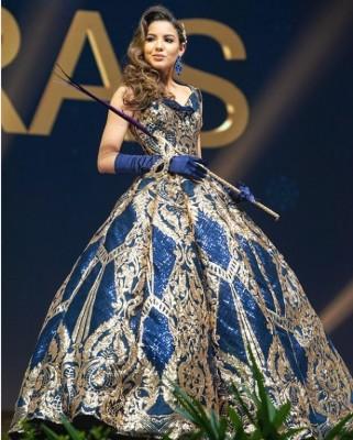 Vanessa Villars se lució en su traje nacional tributo a la minería hondureña en el Miss Universo 2018