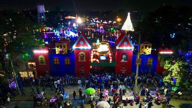 """""""Navidad Catracha"""": Por 20 días los sampedranos disfrutarán preciosa Villa Navideña"""