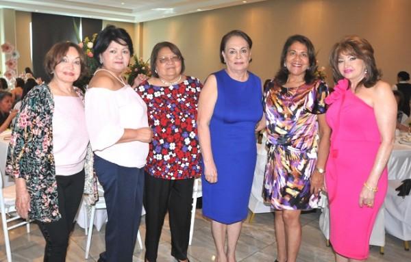 Vilma Rosales, Lupita Monge, Antonieta Escobar, Rosario Núñez, Vilma Karow y Maritza Soto de Lara