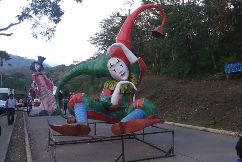 La tradición de las Chimeneas Gigantes en Trinidad, Santa Bárbara