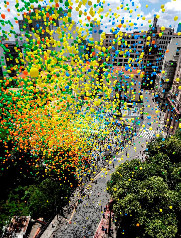 Unos 50 miles globos tiñen el cielo de Sao Paulo para dar la bienvenida al 2019