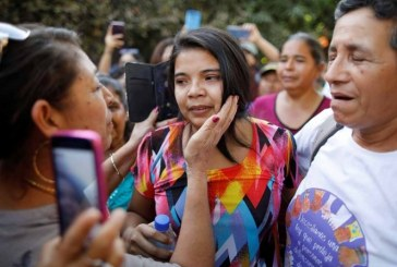 Liberan a mujer encarcelada acusada de abortar producto de una violación en El Salvador