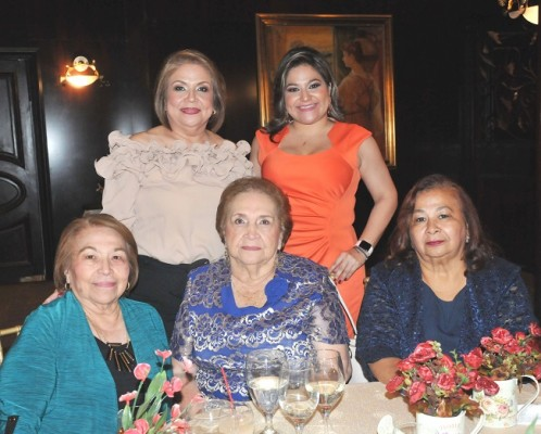 Amy Guardiola, Yessika Ortíz, Olga de Ávila y Melisa Carrasco