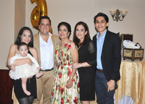 Claudia Amaya, Mario Orellana, Bárbara Hernández, Erika Jesús Hernández Bennett y José Orellana