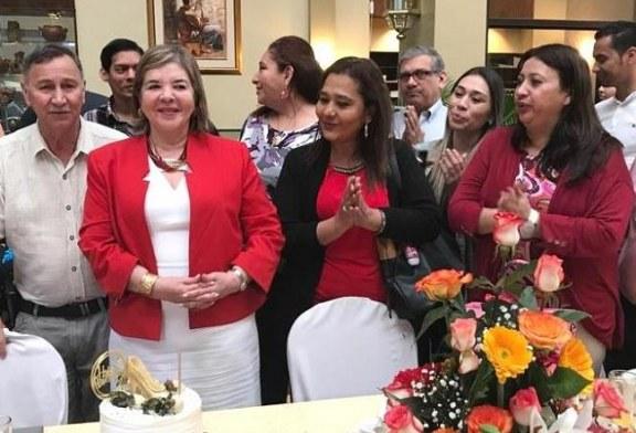Celebrando el cumpleaños de María Antonia de Suazo