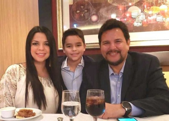 Debbie Melissa Figueroa con sus 2 amores