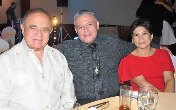 Don Alberto Díaz Lobo, Carlos Gonzáles y María de Gonzáles