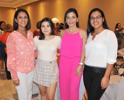 Edna Rápalo, Monique Diday, Andrea Castro y Mabel Ortega