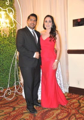 Emilio Osegueda y Giselle Kattán