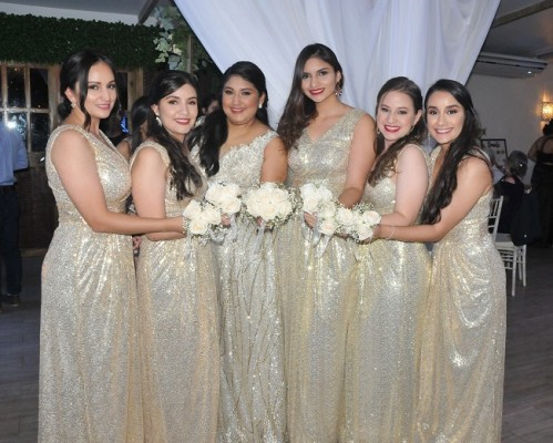 Las damas del cortejo de la novia: Eunice de Campbell, Valeria Pinto, Maite Portillo, Ariana Recarte, Alexa Leiva y Mabel Dubón.
