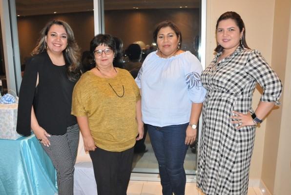 Georgina y Alba Barahona, Cinthia de Barahona y Gabriela Flores