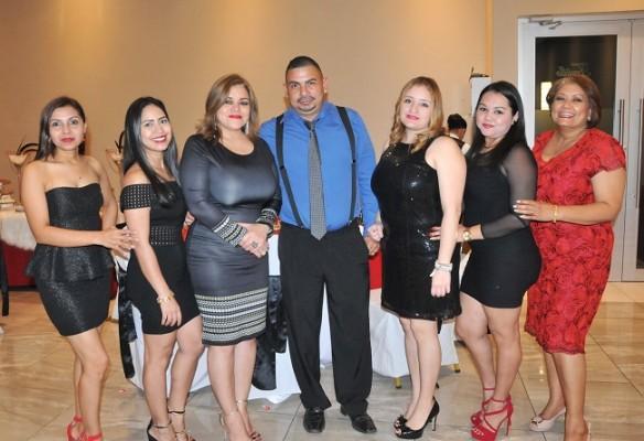 Glenda Lara, Jaymi Rosales, Glenda Machado, Carlo Ortez, Violeta Contreras, Tania Hernández y Marlen Murillo