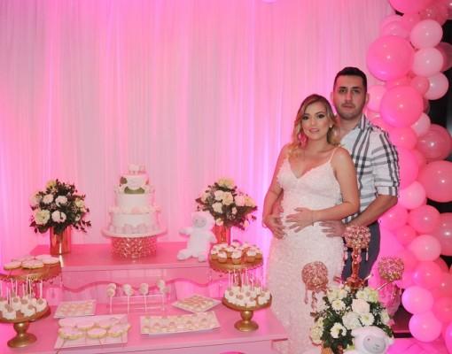 Isis Rápalo de Guzman junto a su esposo, Juan Fernando Guzmán