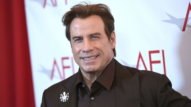 El radical cambio de look de John Travolta