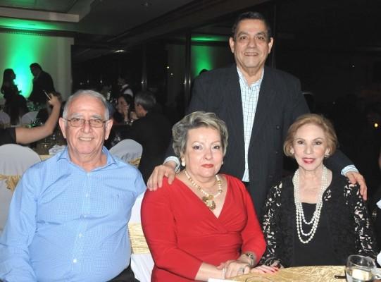 José Edgardo Valerio, José Antonio Selim, Rebeca de Selim y Norma de Valerio