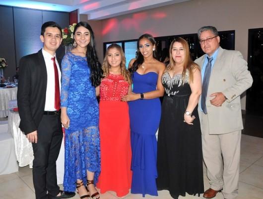José Interiano, Elba Caballero, Silvia López, Stephanie McClean, Silvia de López y Raúl López