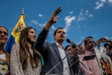 Fiscal General de Venezuela abre investigación a Juan Guaidó y le prohíba salir del país