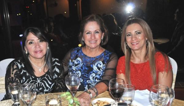 Julia Madrid, Ruth Fasquelle y Nubia de Reyes