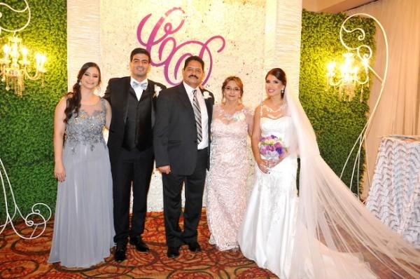 Karla Margarita Urbina, Carlos René Urbina, Carlos Urbina, Ruth Pérez de Urbina y Daniela Funes