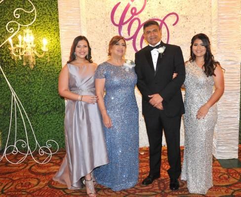 La familia de la novia, Martha Funes, Martha Zuniga de Funes, Danilo Funes y Angélica Funes