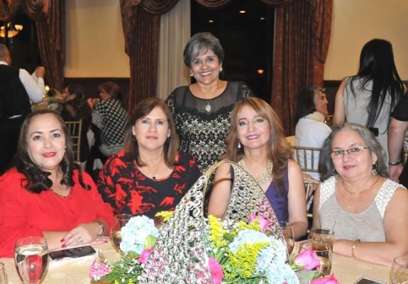 Lilian Huezo, Emma Valle, Geraldina Caballero, Miriam Rivas y Enma Luz Rodríguez