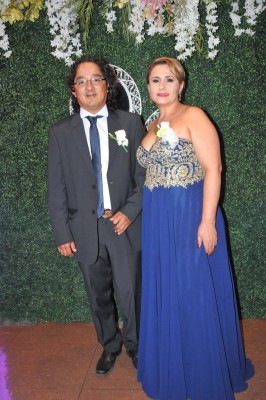 Los padres del novio, Marvin Leonel Urbina y Sandra Isabel Perdomo