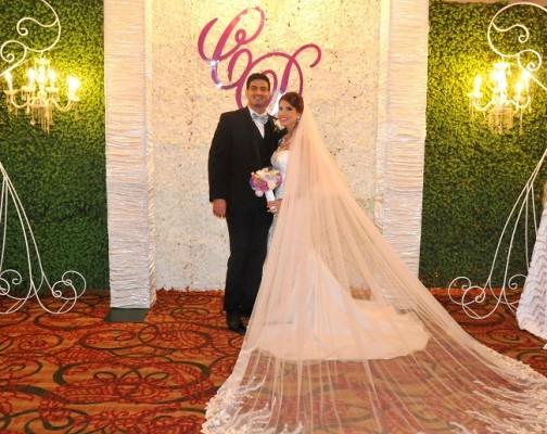 Luego de 1 año y medio de compromiso matrimonial, Carlos René Urbina y Daniela Funes unieron sus destinos eternamente
