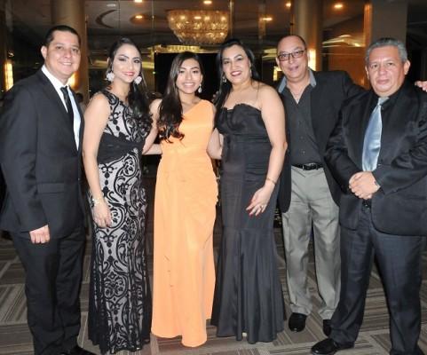 Marcos Delgado, Marjorie Granados, Michelle Canelas, Marleny García, Miguel Canelas y Juan José Cruz