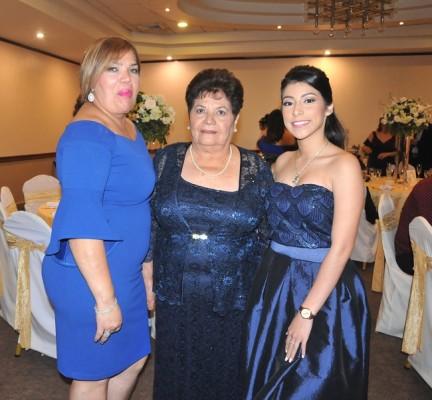 Maura e Hilda Bonilla, junto a Zayra Castañeda