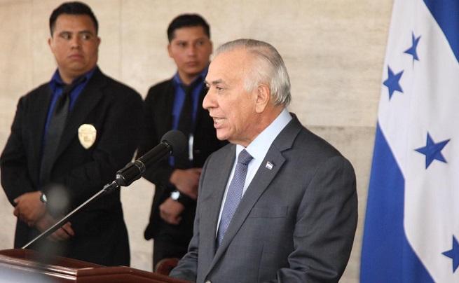 Para Mauricio Oliva en el 2020 debería realizarse la consulta popular sobre reelección y segunda vuelta