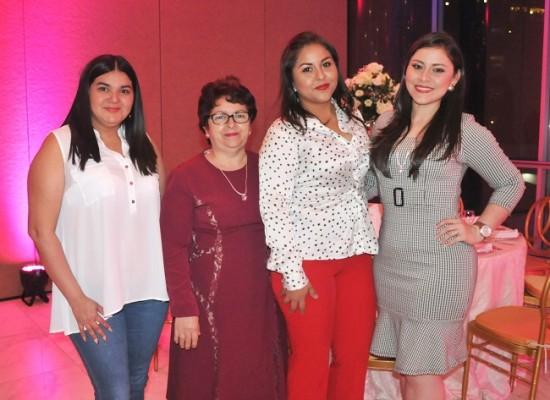 Melissa Reyes, Aracely Zepeda, Wendy Caballero y Jeny Caballero