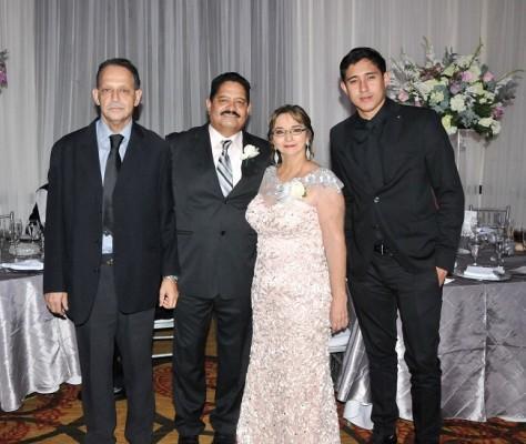 Miguel Urbina, Carlos Urbina Medina, Ruth Pérez de Urbina y Mauricio Urbina