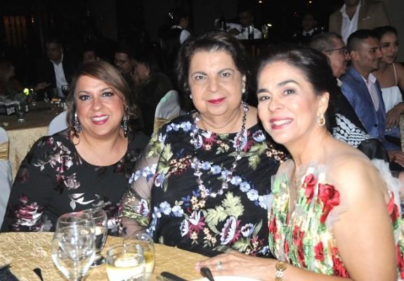 Patsy Vantuyll, María Bonilla y doña Bárbara Hernández