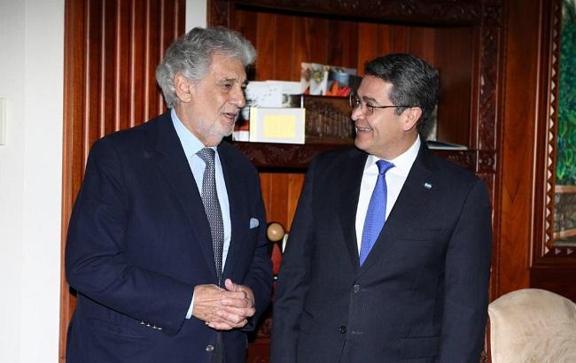 Plácido Domingo visita al presidente Hernández, previo a su concierto Hoy en Tegucigalpa