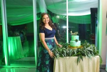 Scarleth Mena: en la cima de su triunfo académico