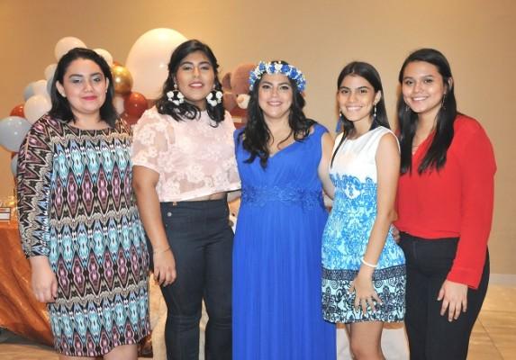 Susana y Larissa Barahona, Ruby Lizeth Barahona de Zavala, Alejandra Vallecillo y Natalia María Vallecillo