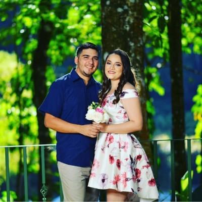 Tras 8 meses de compromiso matrimonial, Johnny Tinoco y Ledy Doblado unieron sus destinos rotundamente.