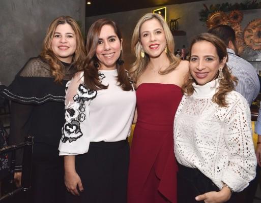 Verónica Valle, Vanessa Nasralla, Jessica Córdova y Alexandra Kafie.